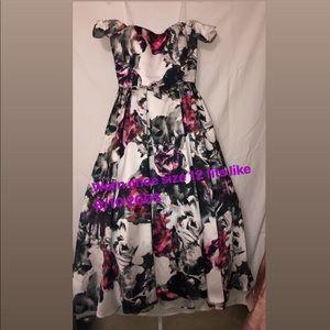 Dresses & Skirts - Puffy dress